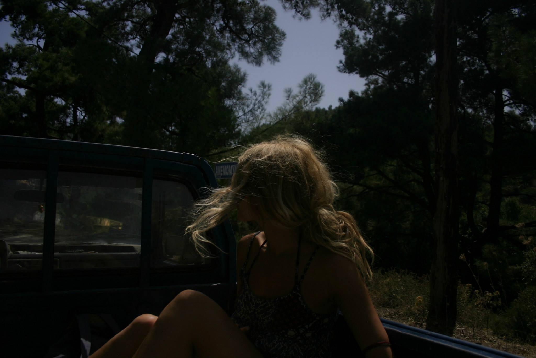 hitchhike pickup truck side 2