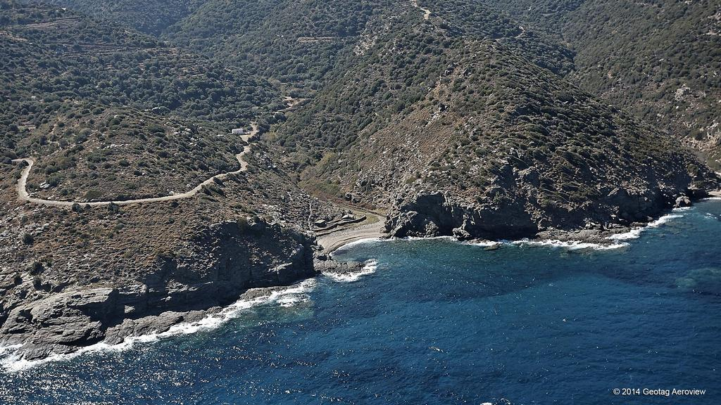 Giving it all : Wild coves & beaches in northern Ikaria - 23 Agia Paraskevi