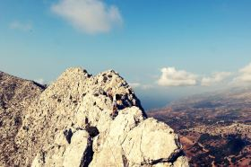 Rock jumping on Prioni, Koskinas Castle, Ikaria