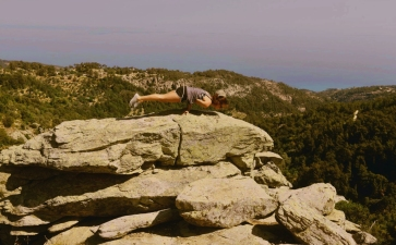 Calisthenics on rocks, Rahes, Ikaria 1